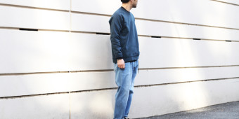 MAZARINE WIDE TROUSERS × FROSTED CREW SWEAT