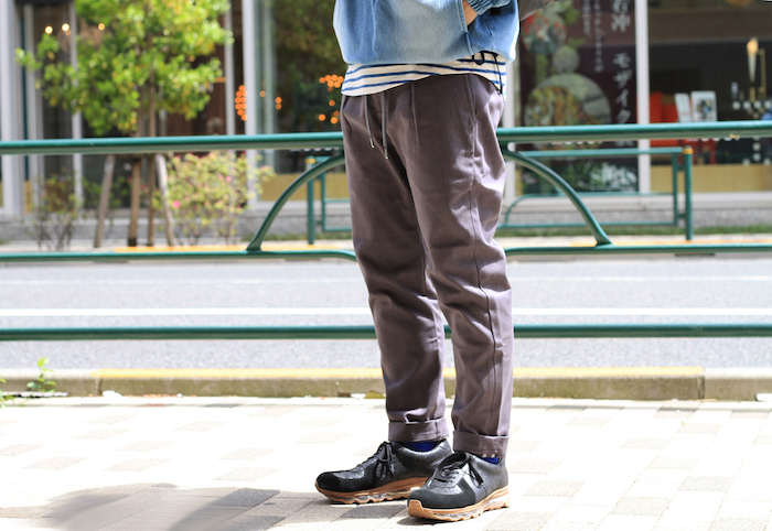 × ASSEMBLY EZ TROUSERS
